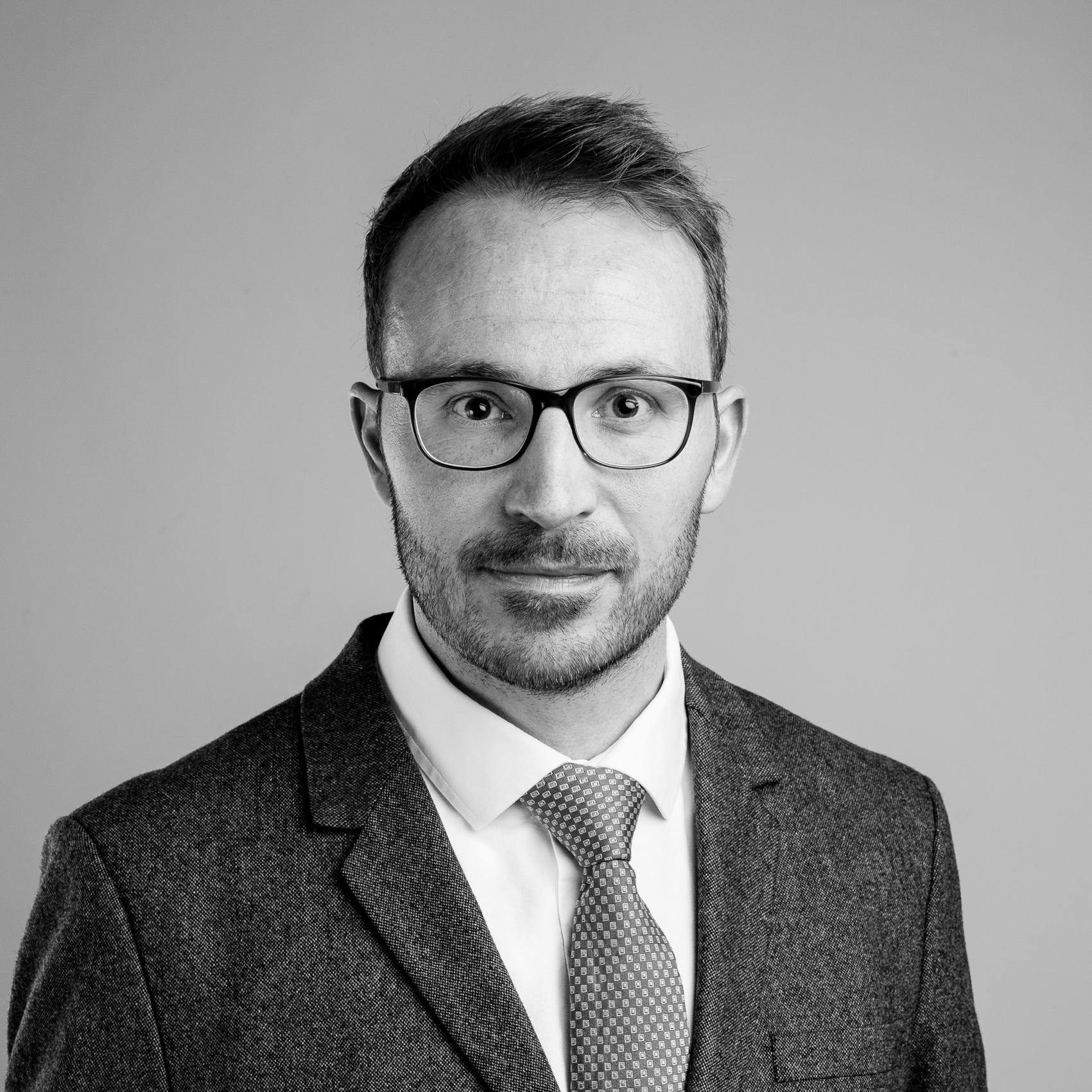 advok-portrait-006.jpg