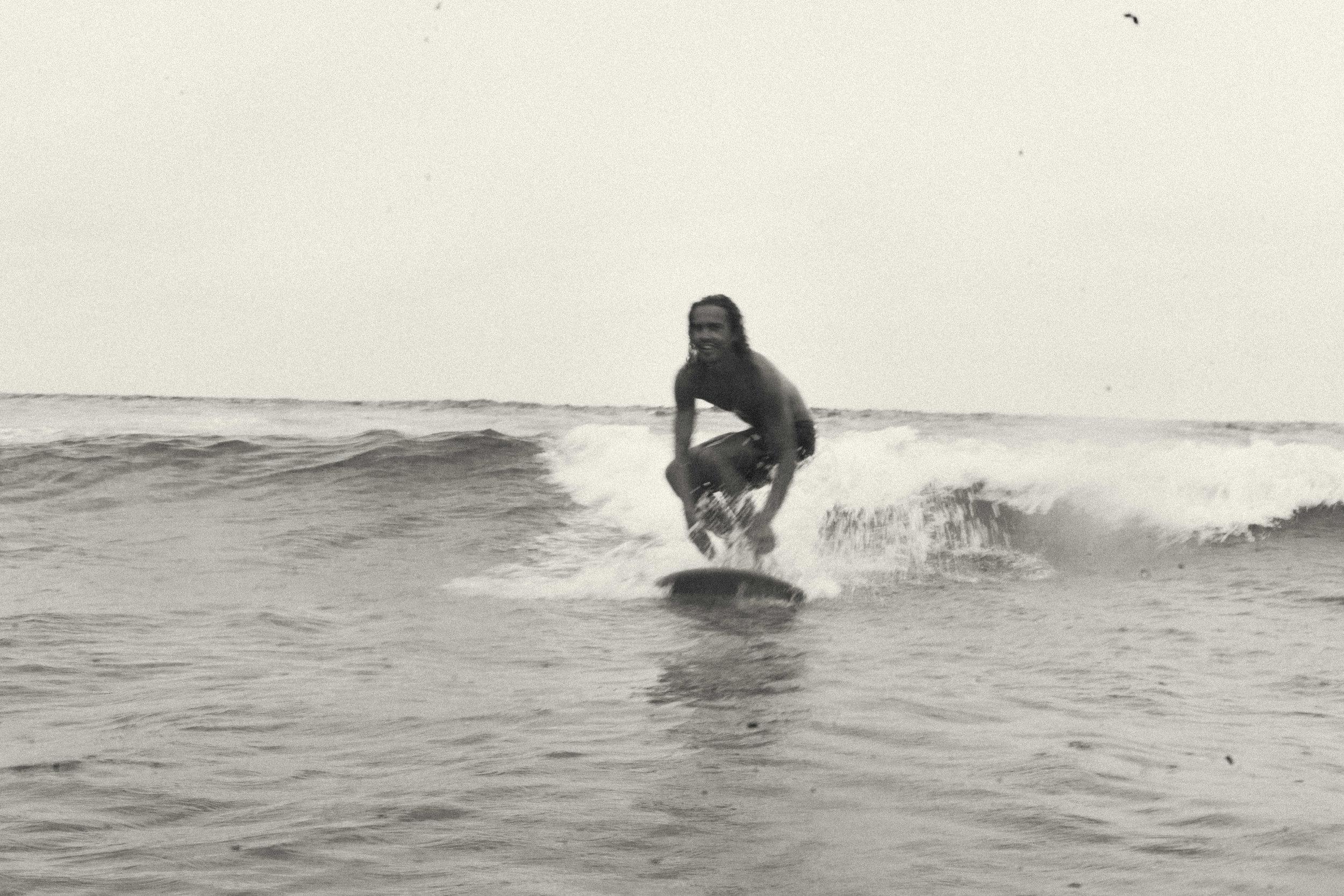 erik_winter_surf_surfing_2.jpg