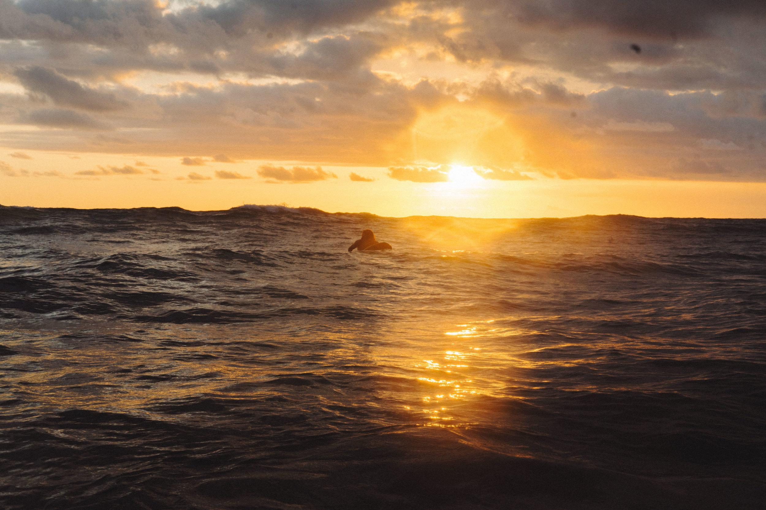 erik_winter_surf_surfing_11.jpg
