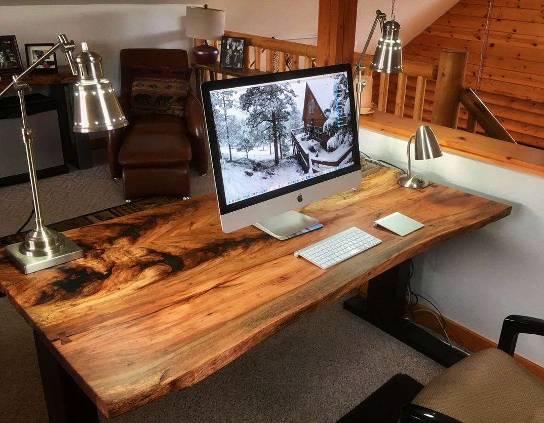 custom-upstairs-office-imac.jpg