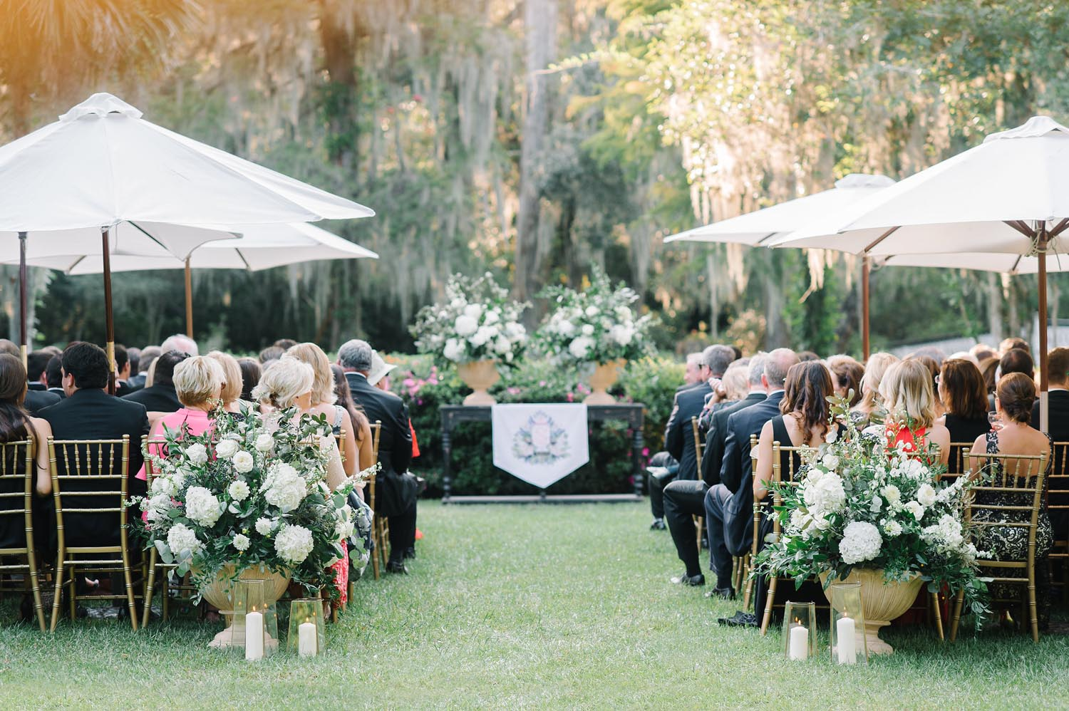 Magnolia Plantation in the historic center of Charleston was the perfect blank canvas for this southern fete. It was the perfect destination wedding. Wedding planning and design by A Charleston Bride