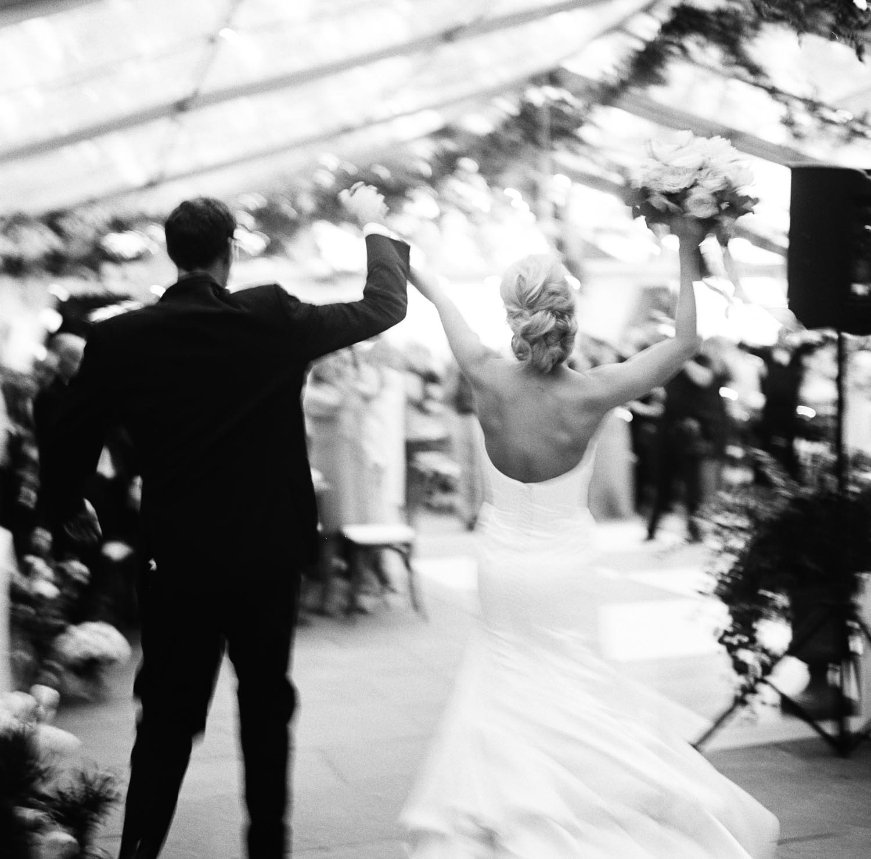 Lowndes Grove Plantation wedding. Wedding planning and design by A Charleston Bride.