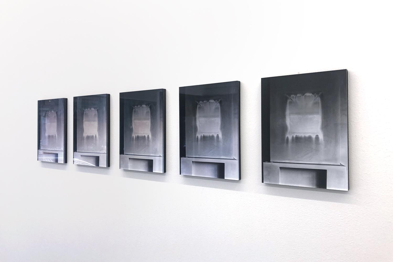 (Living) room, Memory 1-5, at Galerie Caroline O'Breen