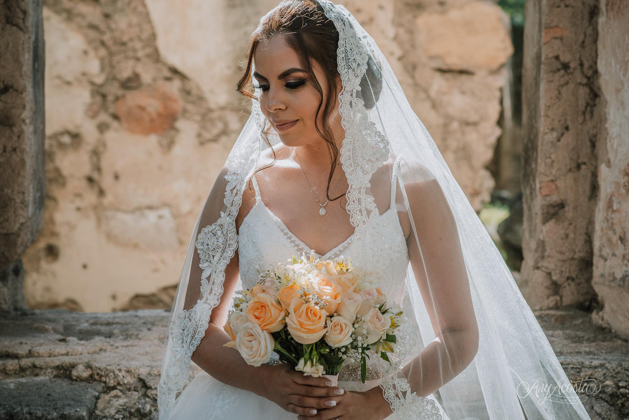 bride-dress-wedding-mexico.JPG