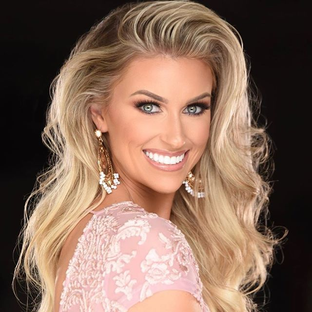 Beauty by Nature... No Prep Veneers by Frontier Dental Lab... . . . @missncforamerica  Dentistry by @rosswnashdds