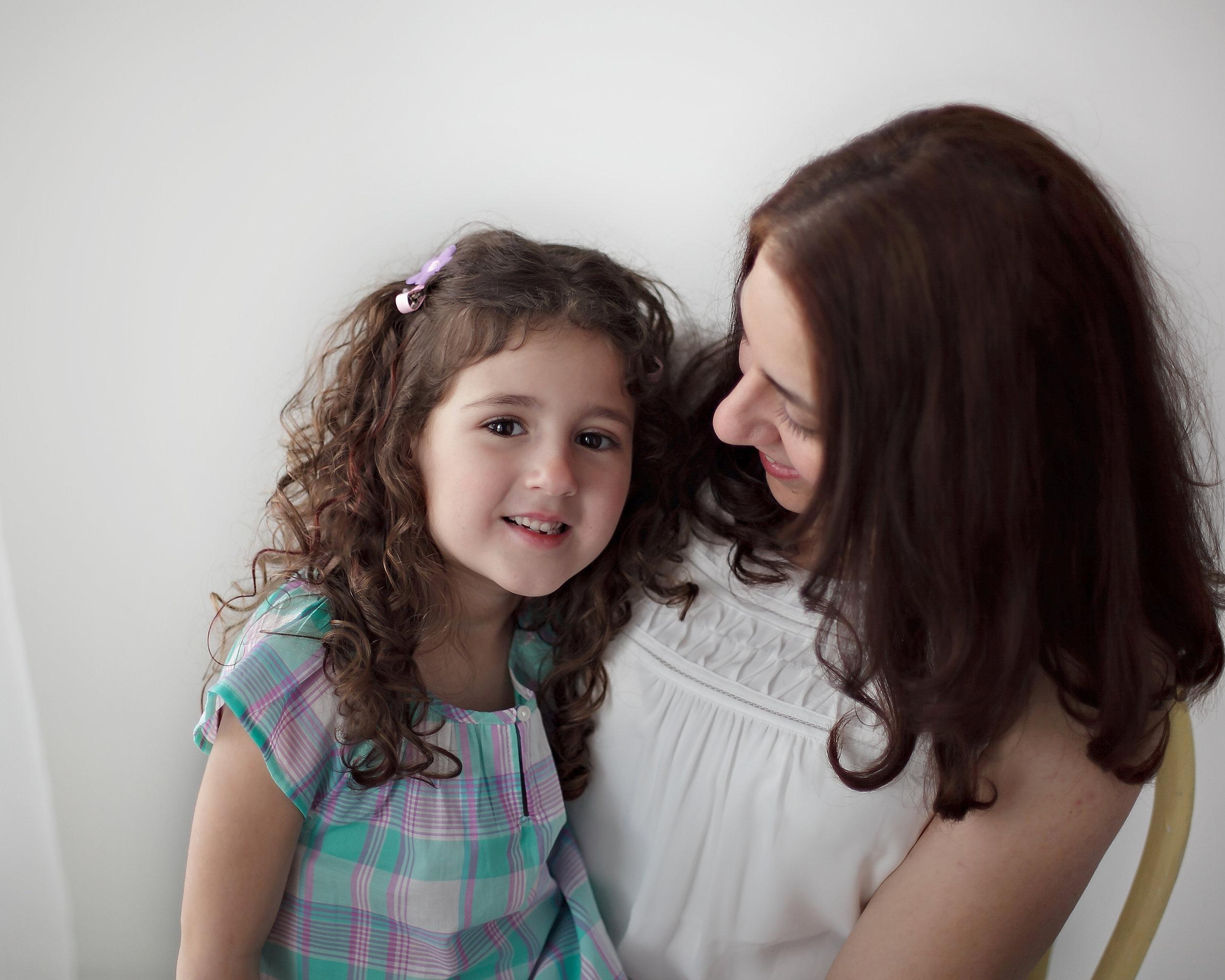 Oshawa_Mother_Daughter_Classic_Portrait_Petra_King_Photography