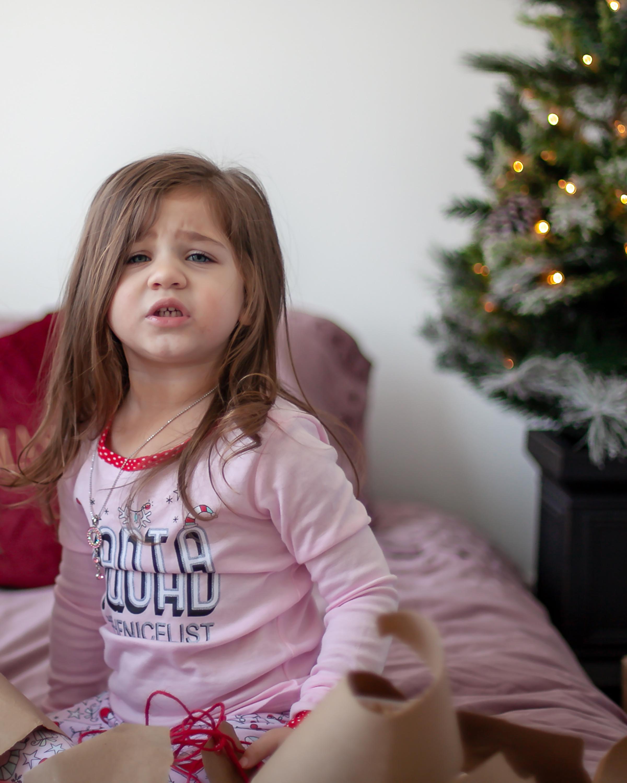 Oshawa_Child_Christmas_Portraits_Petra_King_Photography