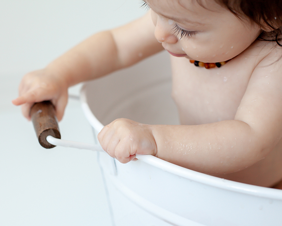 Baby_Milk_Bath_Photographer_Oshawa_Whitby_Bowmanville_Petra_King_Photography