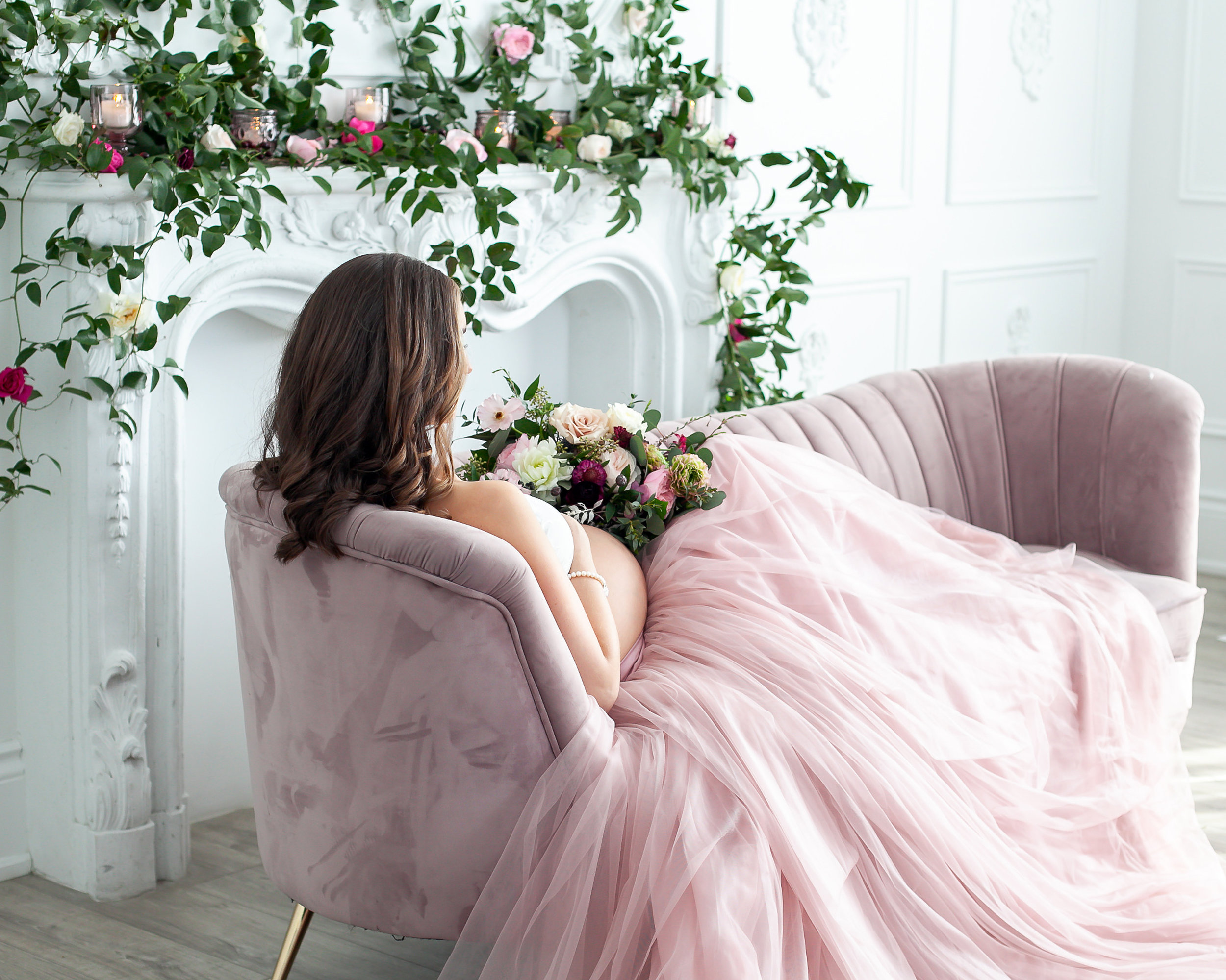 Oshawa_Mint_Room-Studios_Luxury_Floral_Maternity_Event_Photographer_Petra_King_Photography