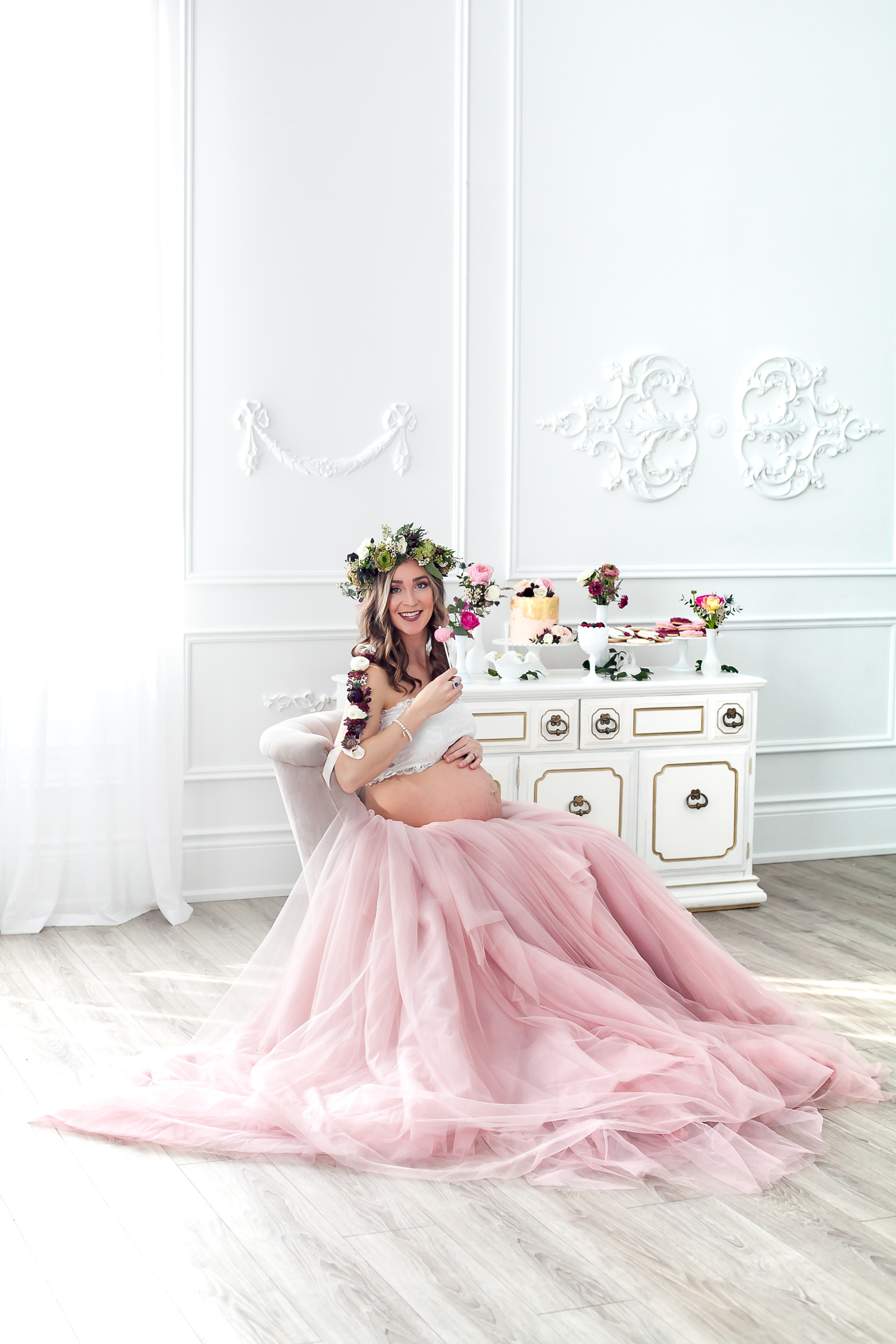 Toronto_Oshawa_Ultimate_Maternity_Event_Flowers_Sweet_Table_Petra_King_Photography
