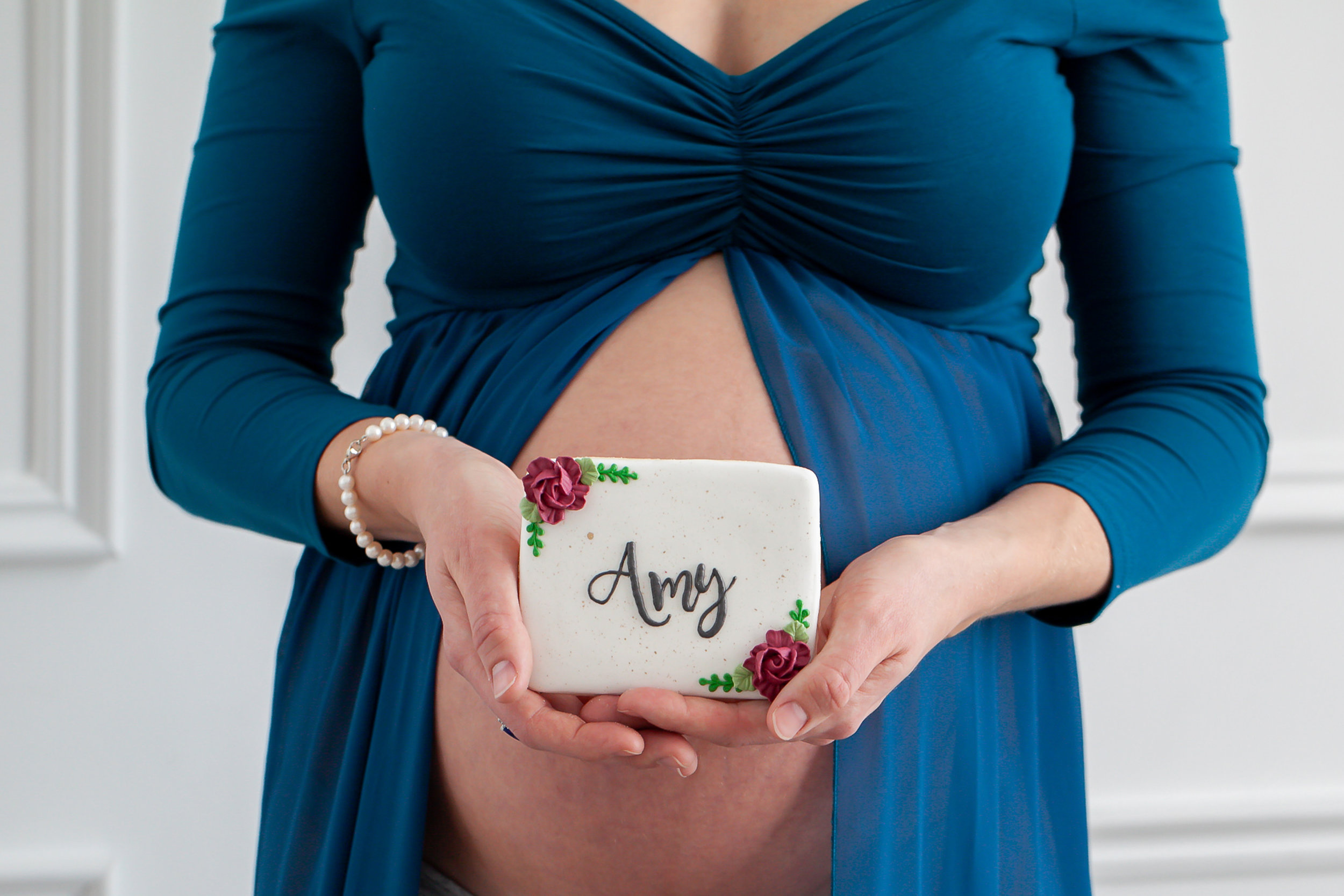 Toronto_Oshawa_Ultiamte_Maternity_Event_Custom_Cookie_Petra_King_Photography