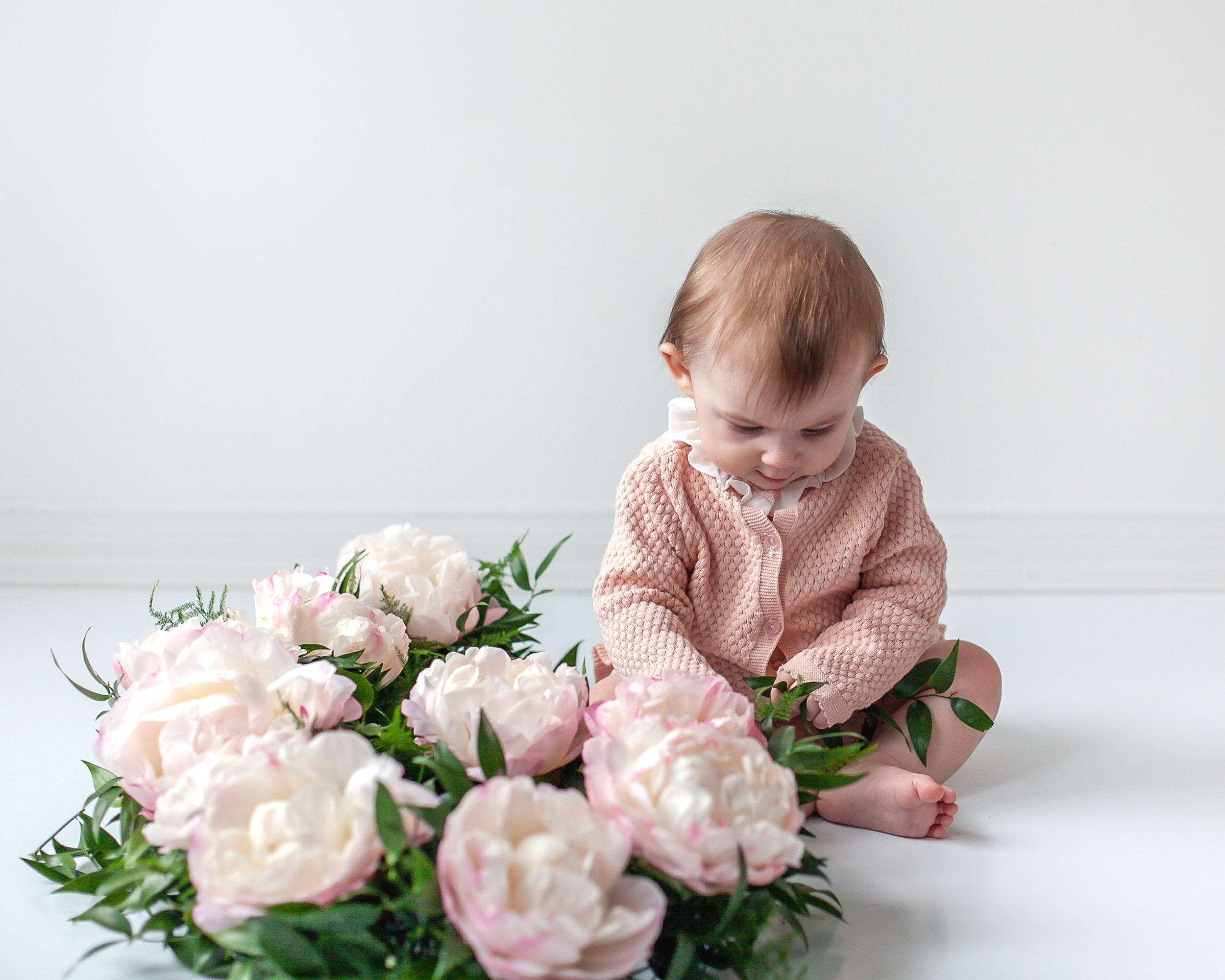 Oshawa_Ajax_DurhamRegion_Baby_Floral_Milestone_Photographer_Petra_King_Photography