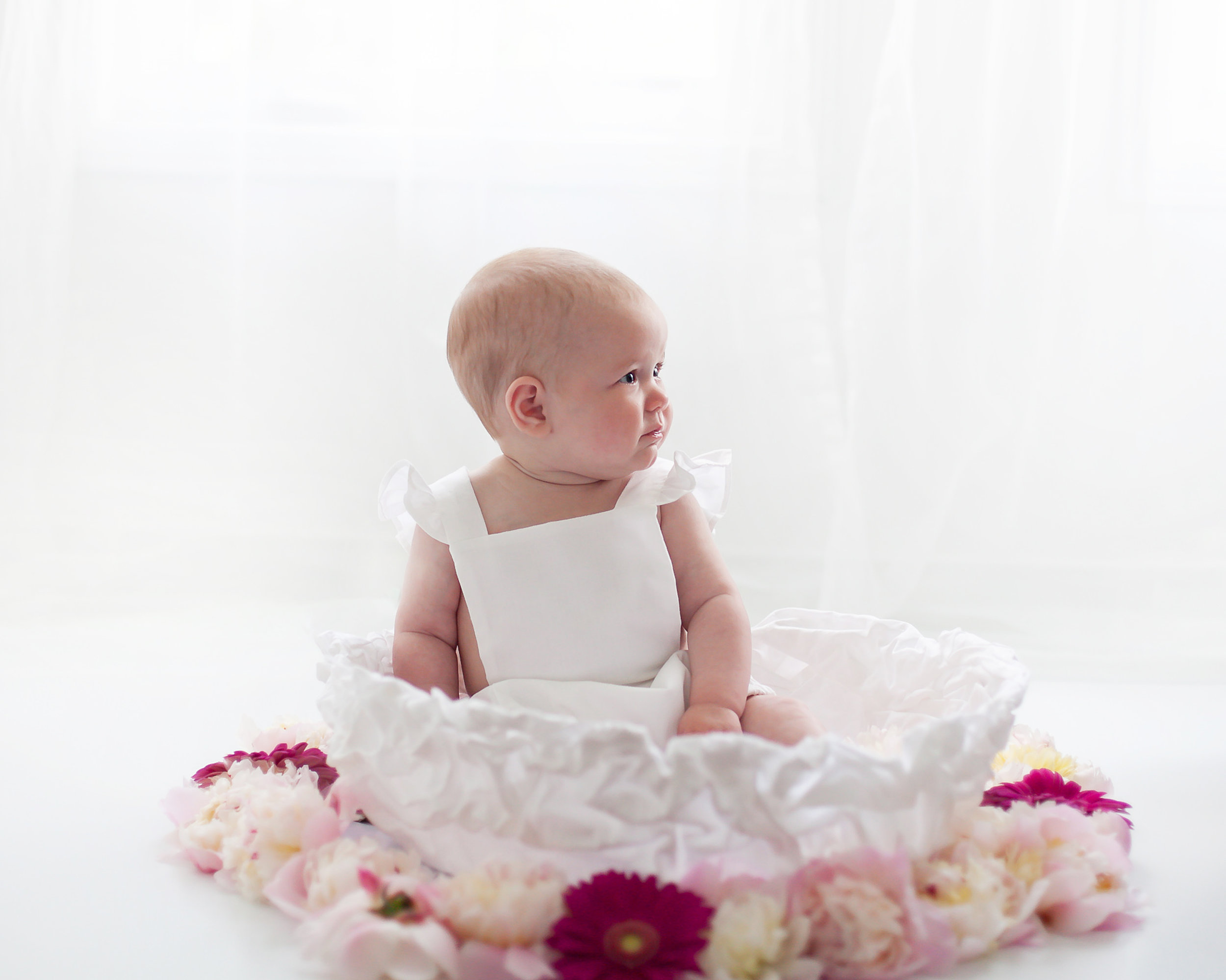 Six_Months_Fresh_Floral_Session_Toronto_Baby_Photographer_Petra_King_Photography
