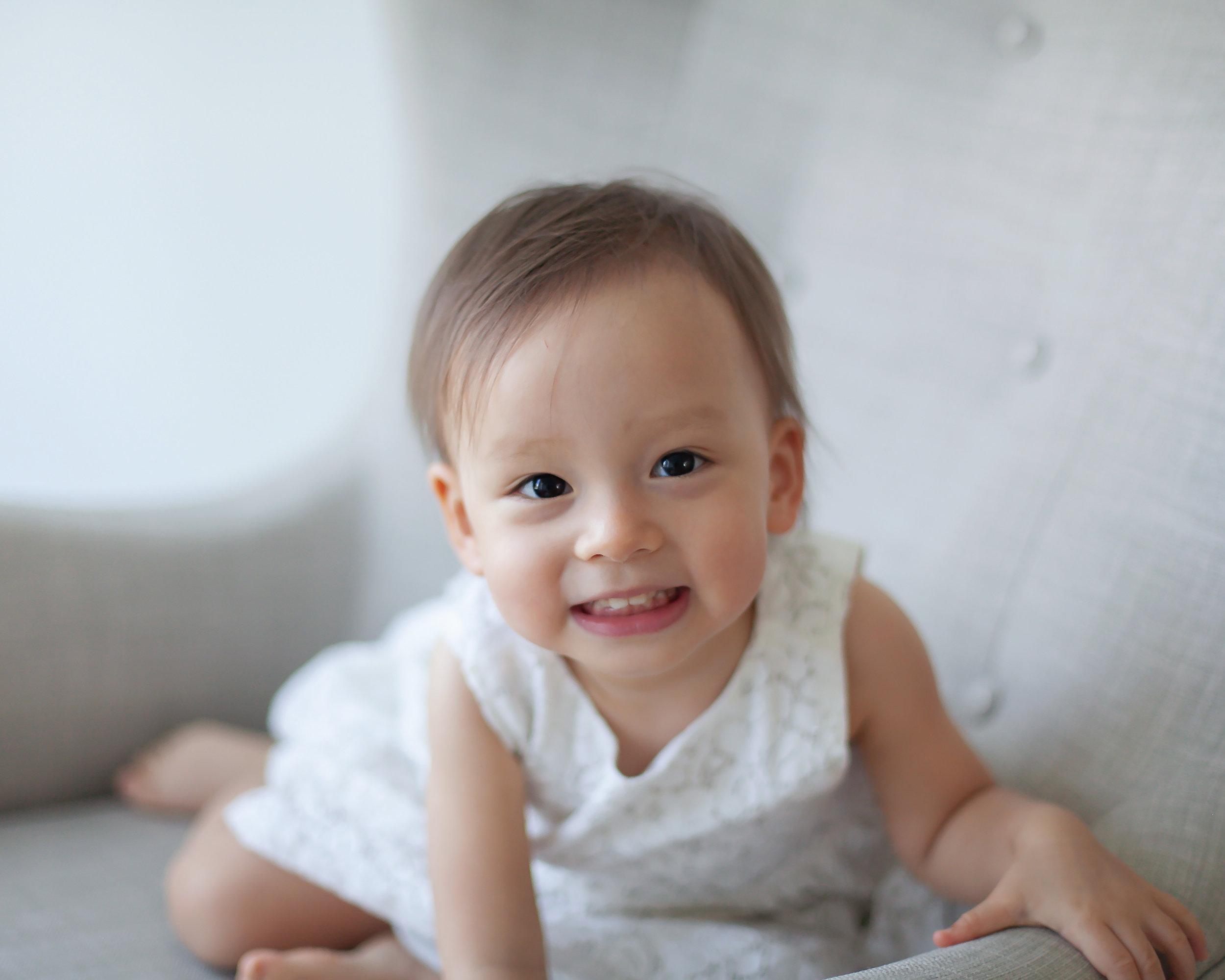 Oshawa_Toronto_Ajax_Big_Sister_Baby_Photography_Studio_Petra_King_Photorgaphy