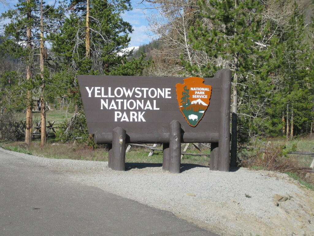 vantage-blog-national-parks-pass-yellowstone.jpg