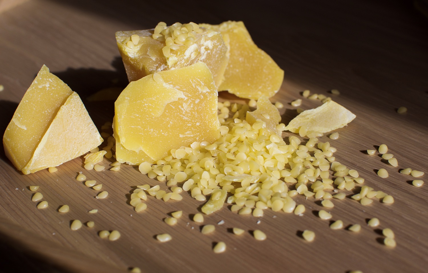 How to use beeswax 1
