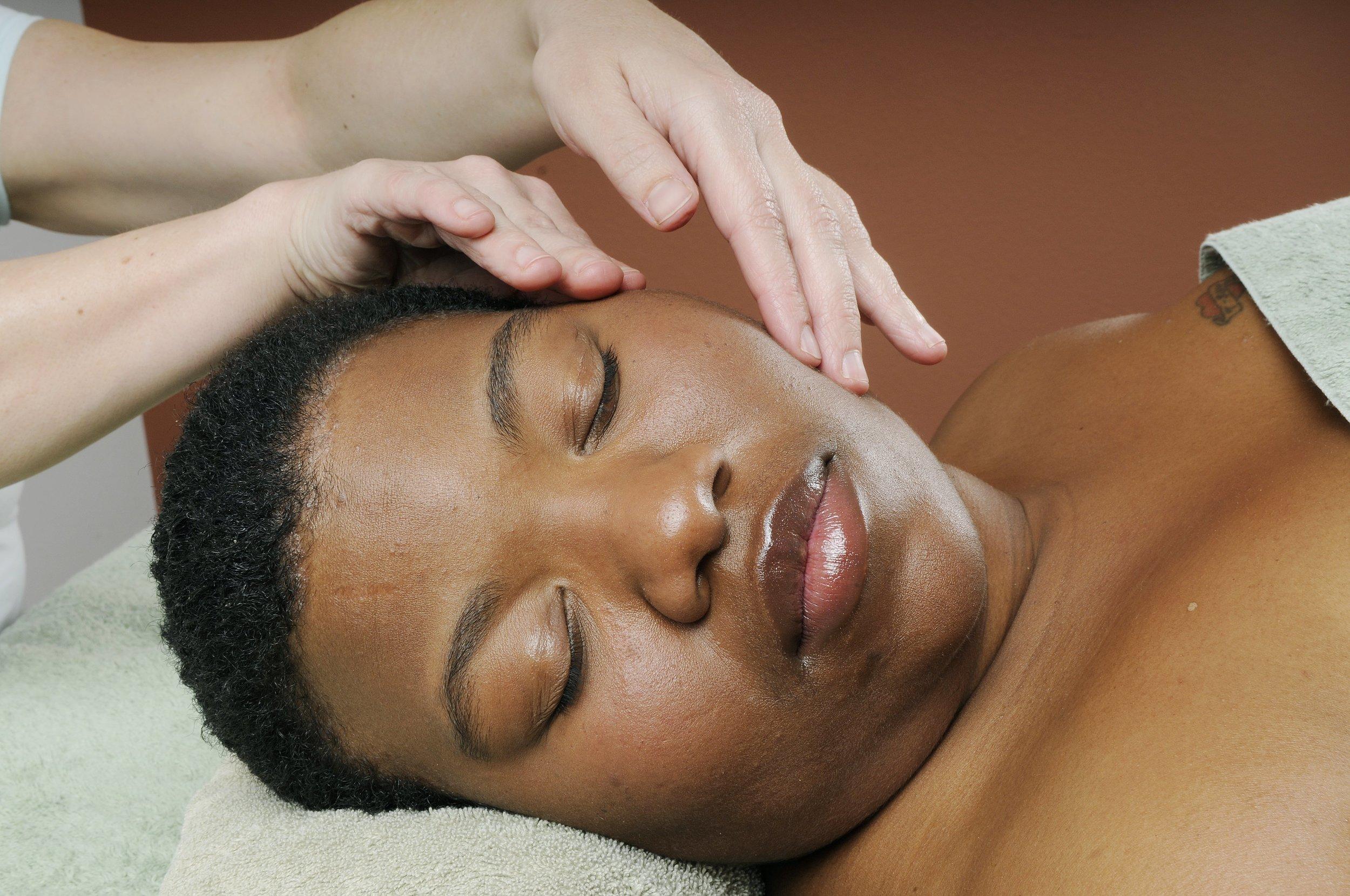 Face massage 1.jpg