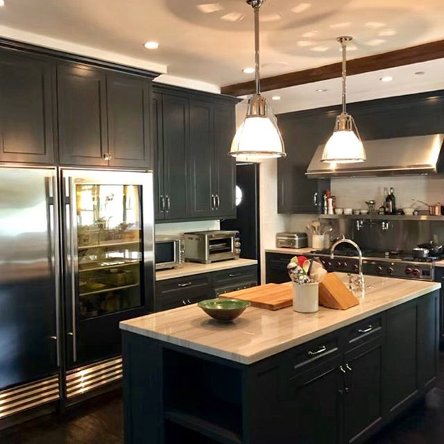 We got to spruce up our favorite clients kitchen while they were on vacation with @pch_construction