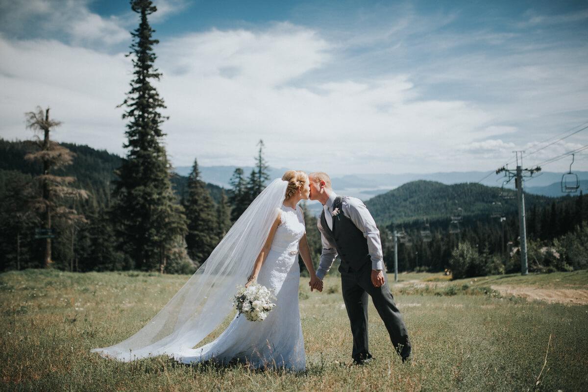 Schweitzer Mountain Lodge Wedding by Bill Weisgerber Photography (30).JPG