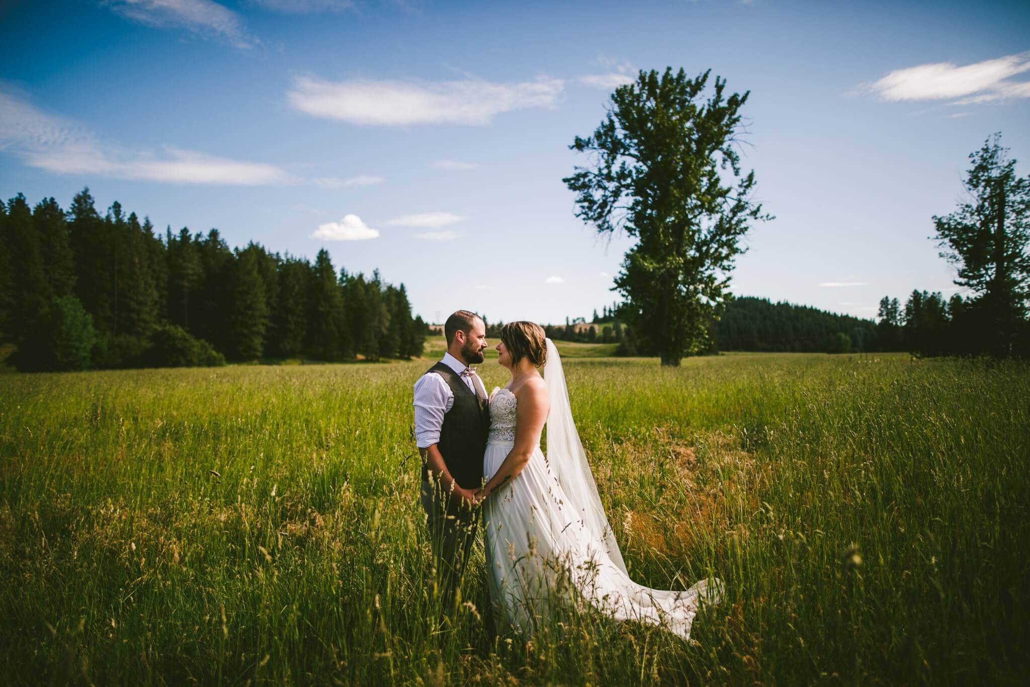 Spokane Barn Wedding (76).jpg