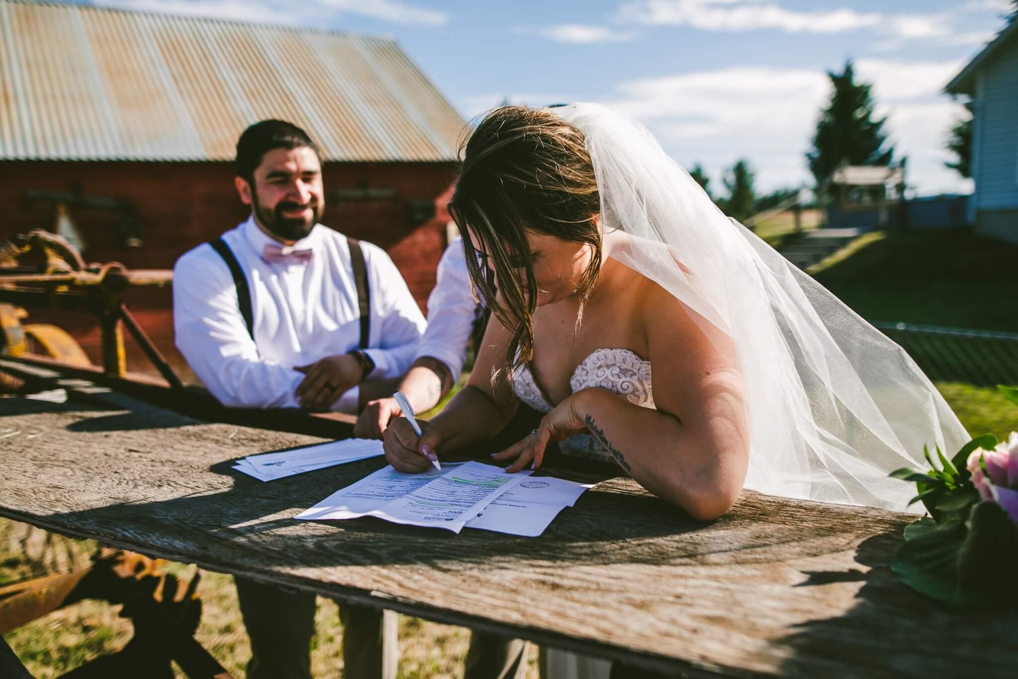 Spokane Barn Wedding (128).jpg