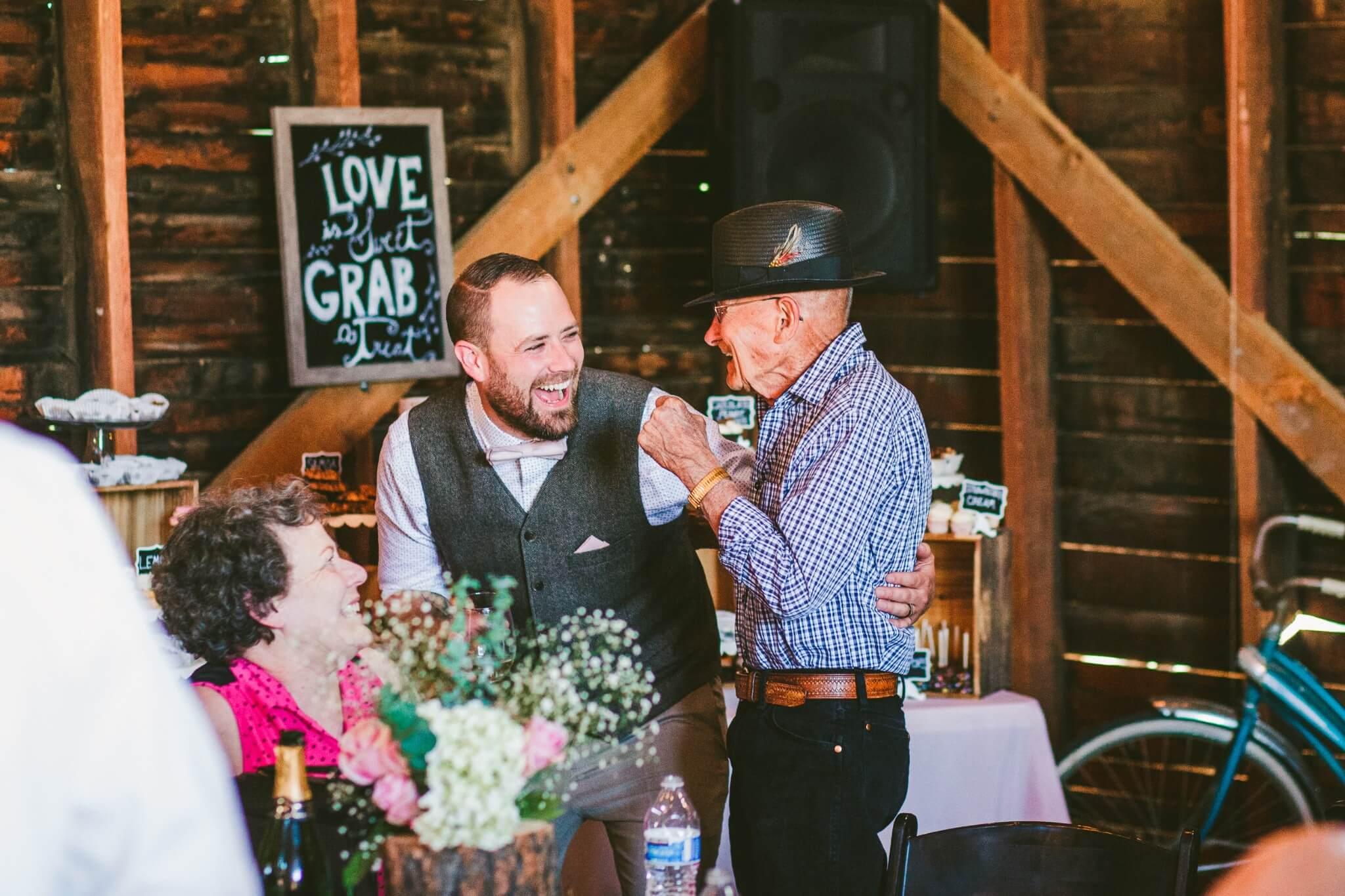 Spokane Barn Wedding (158).jpg