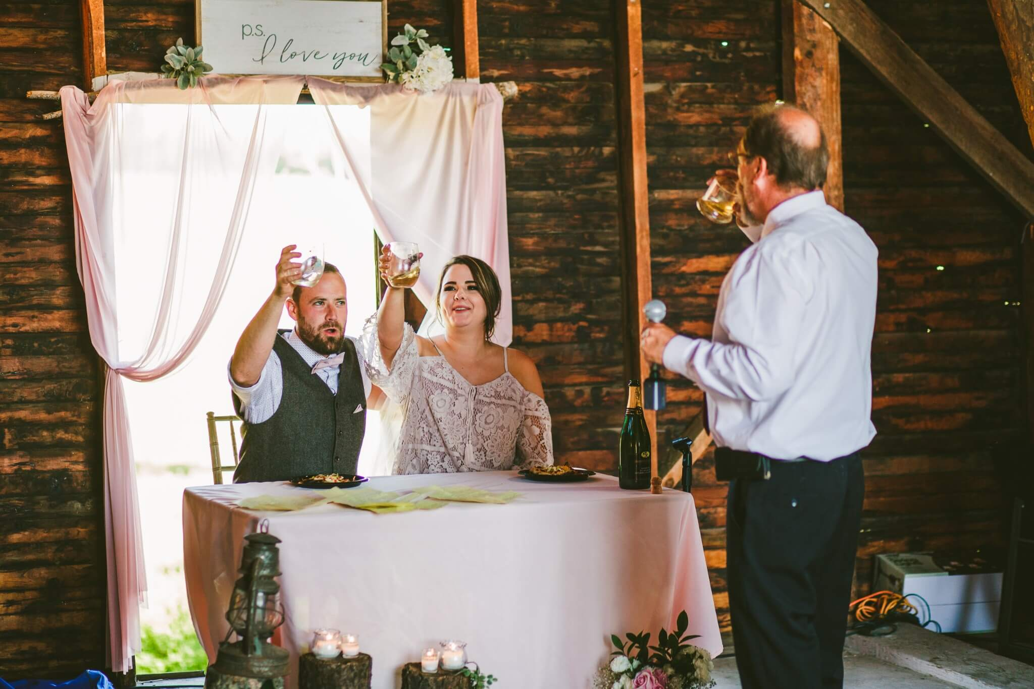 Spokane Barn Wedding (168).jpg