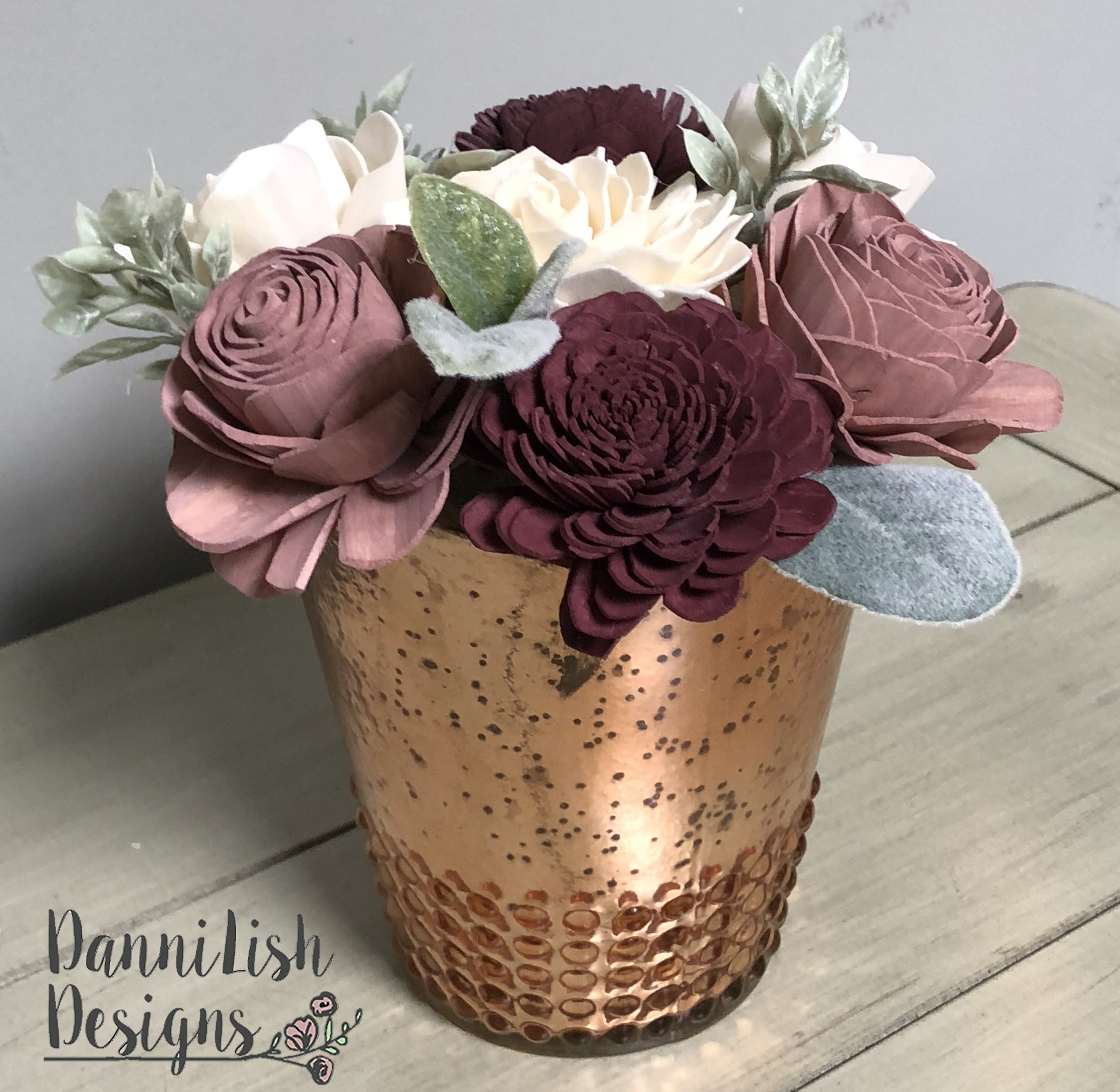 CENTERPIECES - Browse a variety of centerpieces for your mantle, dining room table or event.