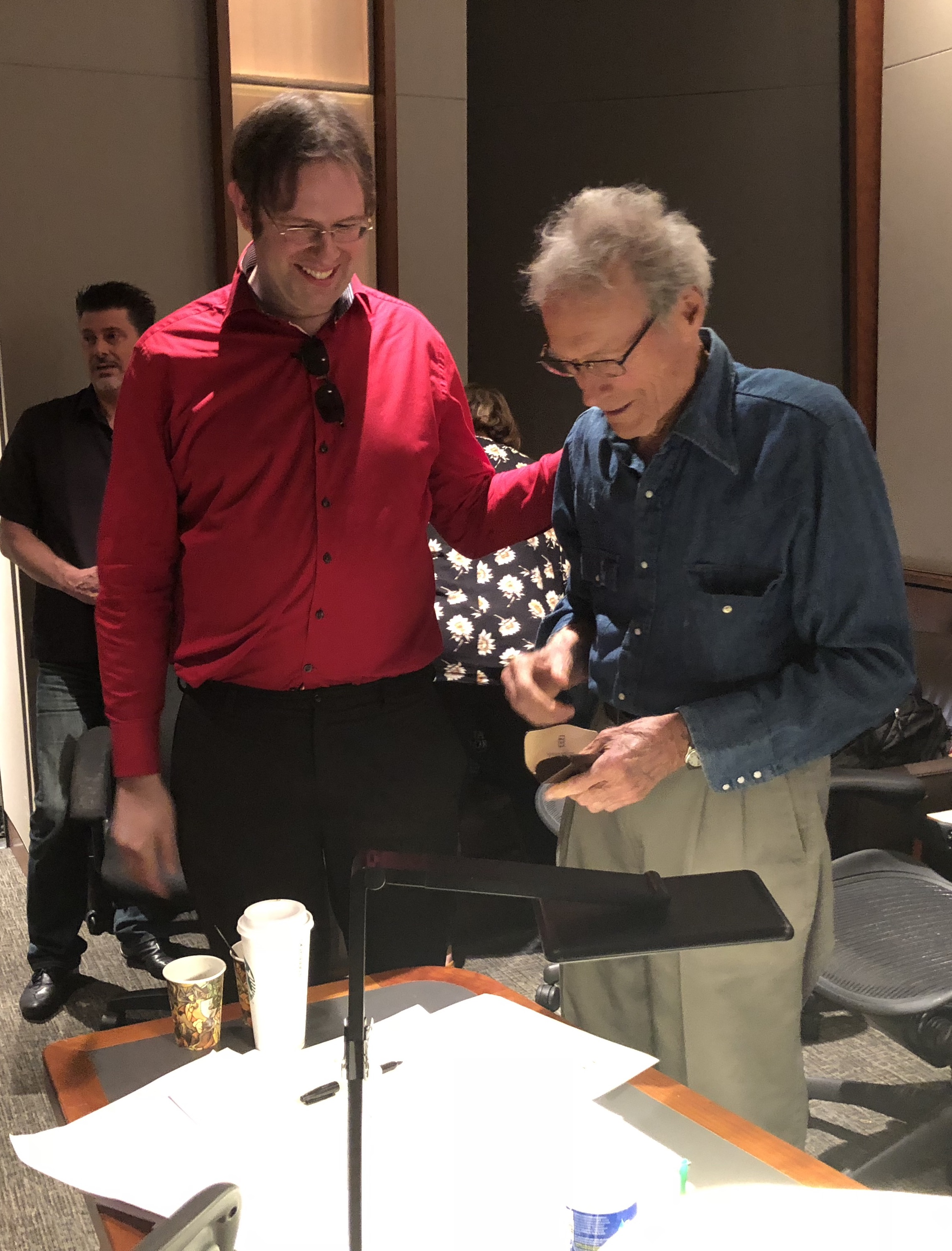 """Kaska with Clint Eastwood at """"The Mule"""" session"""