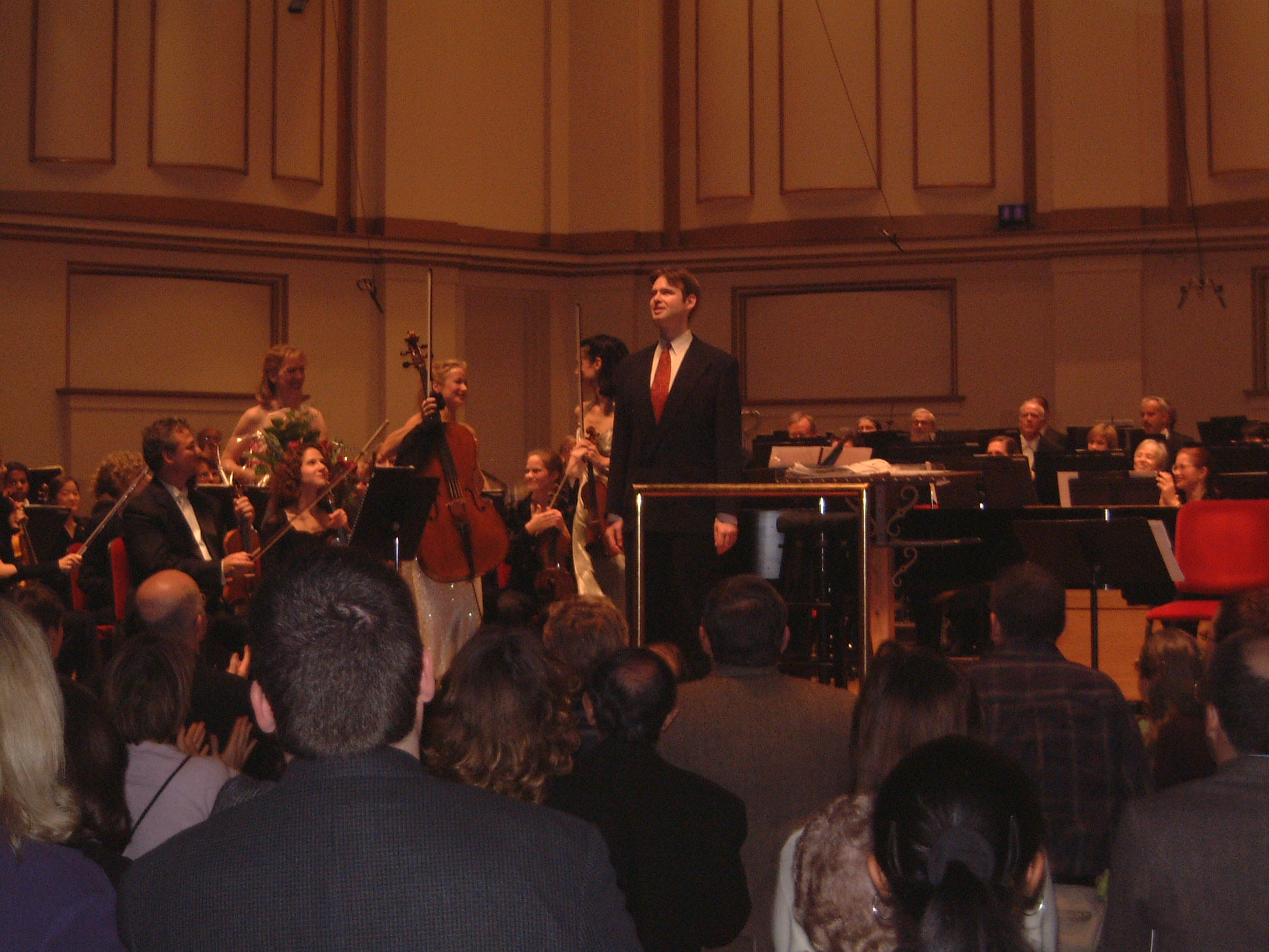 Kaska on stage with Saint Louis Symphony