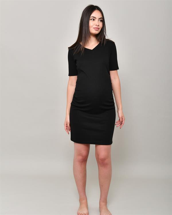 Black bodycon dress