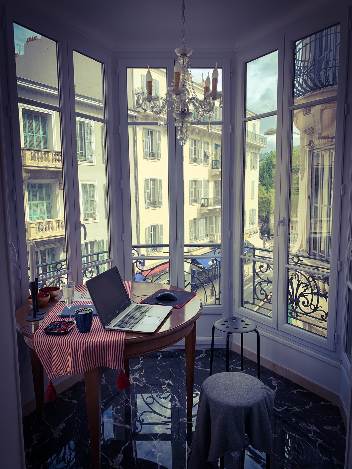 This week I have temporarily move my office to my apartment in Nice