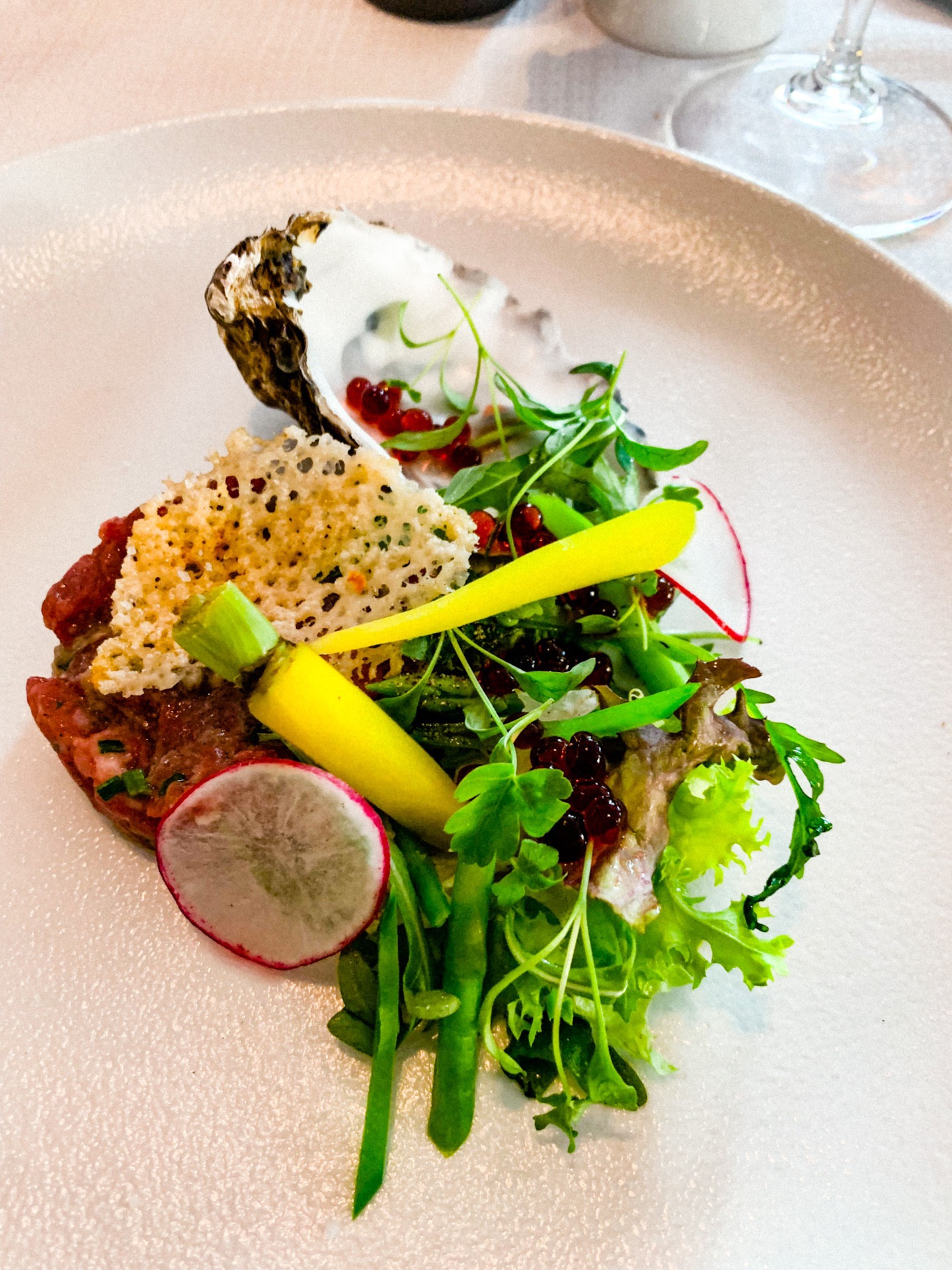 Our company had 2 vegetarians and 1 pregnant woman and then the 3 other choose the meat menue. The starter was oyster and beef tartar, what I did not expected was that the oyster was blended into the tartar. It was delicious! The best dish in the menue.