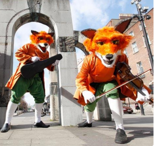 FIDDLING FOXES