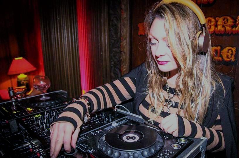 DJ CLAIRE BECK