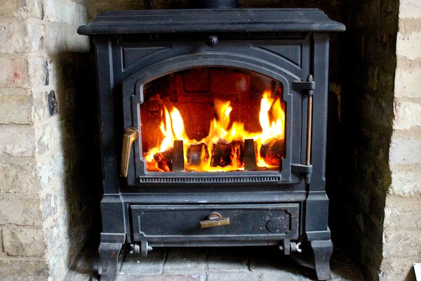 Cambridge Hotlogs burning in an Efel Harmony 1 stove