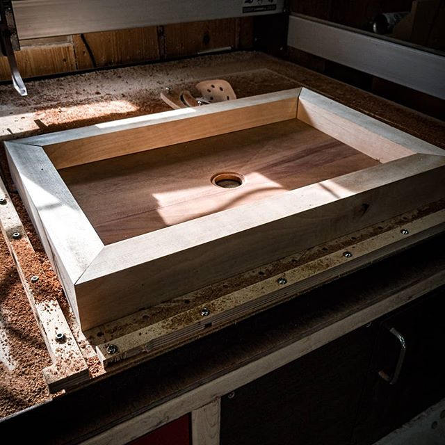 Sneek peak of what is coming! Soon in my shop! The contemporary sink! #woodensink #toutanbwa #bathroomdesign #bathroomdecor #woodworking #madeinquebec #nddbrepresents #teamnddb