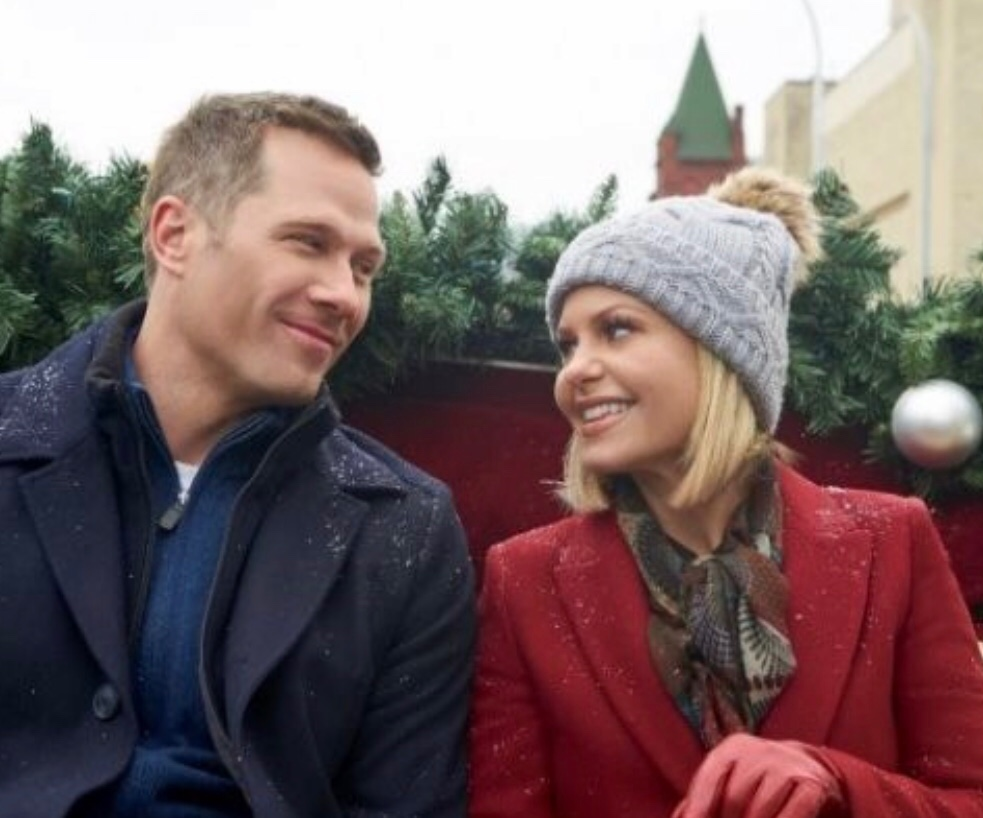 Luke Macfarlane and Candace Cameron Bure in A Shoe Addict's Christmas - Candace is the winner of  The   Bennett Lifetime Achievement Award