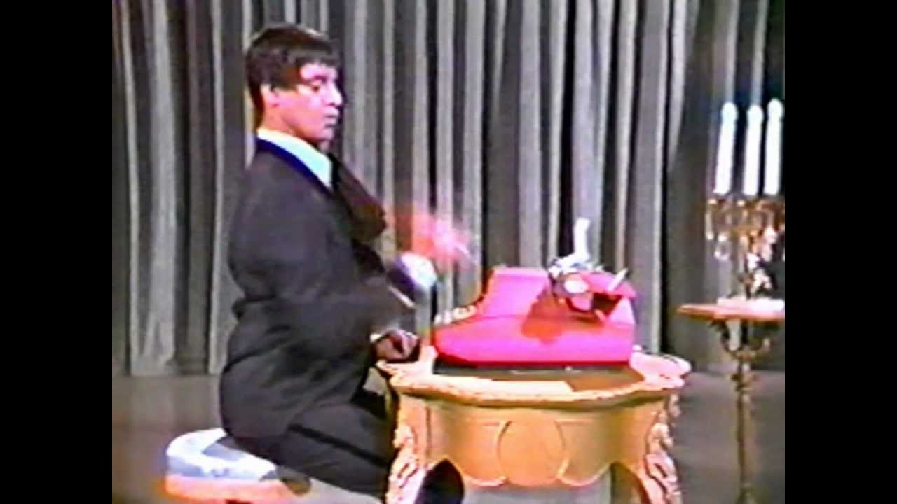 Jerry Lewis and his typewriter