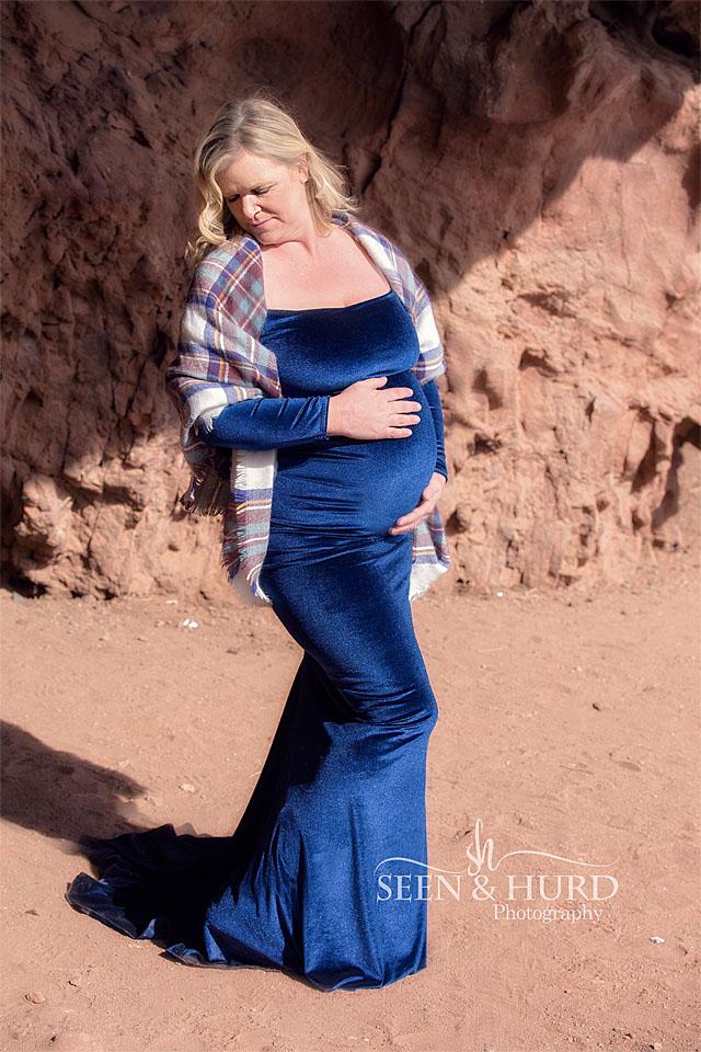 Lucia in blue velvet