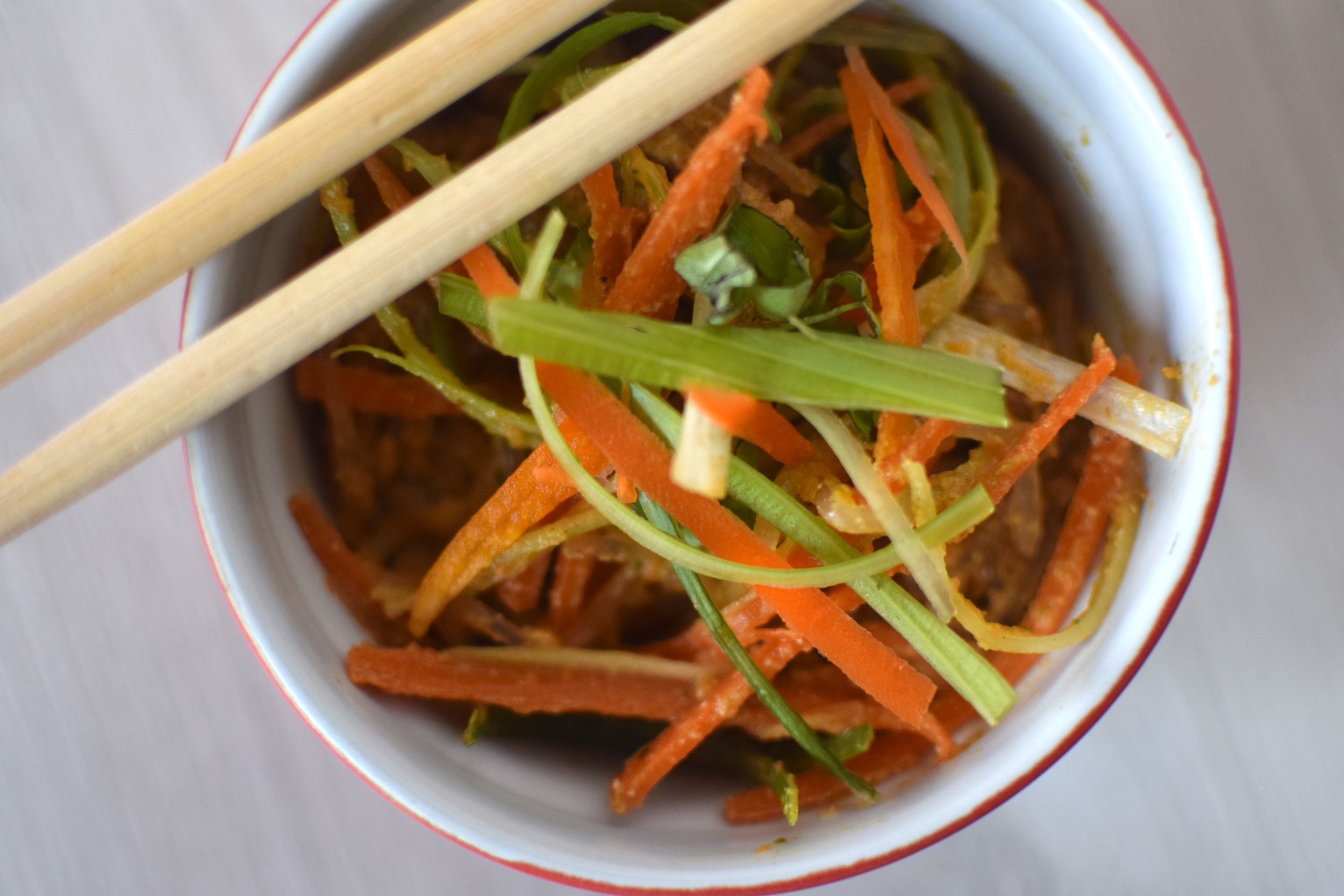 raw carrot ginger thai noodles 1.JPG