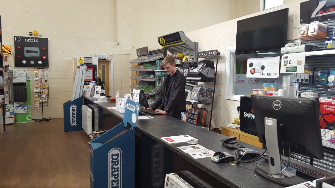 Internal sales & customer service -