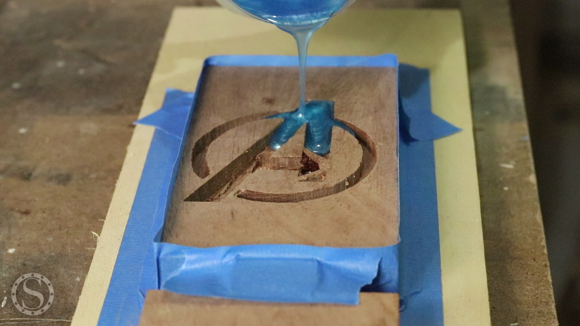 Avengers Phone Holder - Starting the Epoxy Pour from the top with light blue