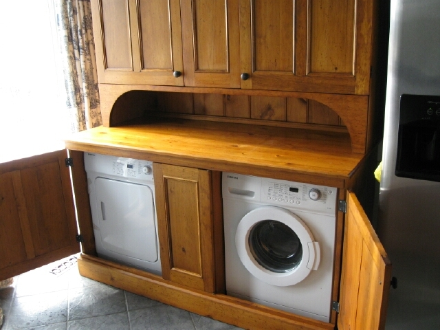 CUSTOM WASHER AND DRYER CUPBOARD (OPEN)