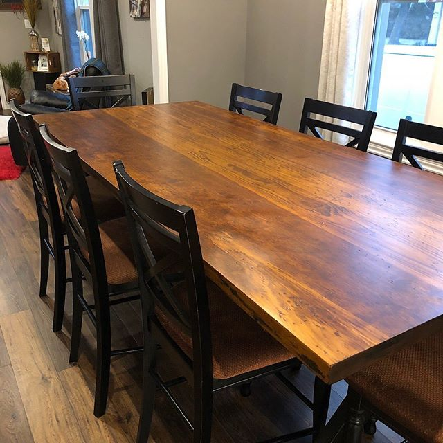 "A lot of people have been asking about our large custom built tables. This 8' table has additional leaves which extend it in total length to 10 1/2'. It has a clear pine 2"" thick top and a painted base. Please DM for details. If you can imagine it, we can build it for you! #pinetables #harvesttables #customfurnishings #shopshakespeare"