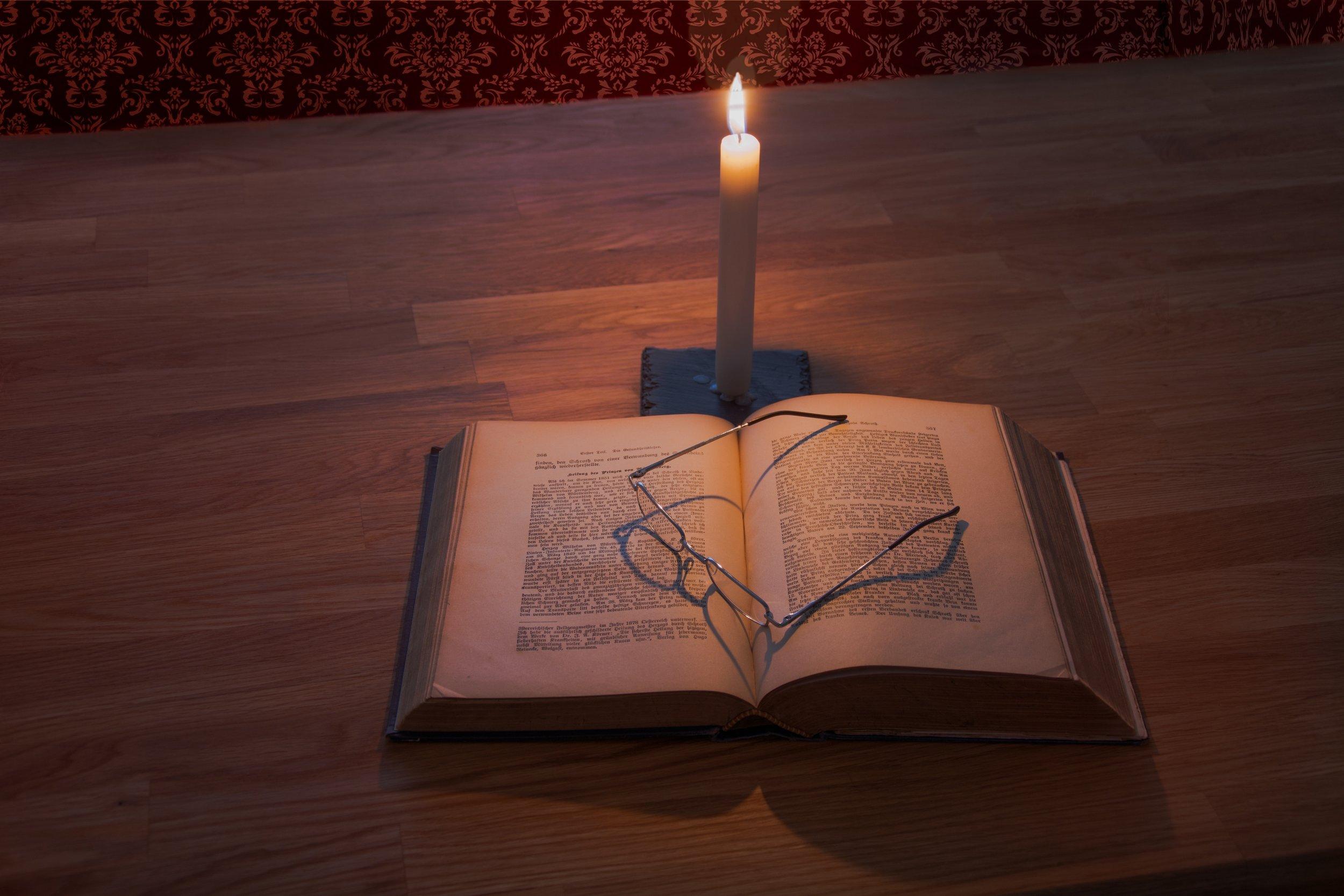 bible-book-candle-256560.jpg
