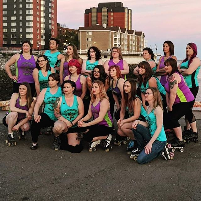Ready for a new challenge in 2019? Our next learn to skate starts January 7th (new location Hazen White school) 7pm! Recurring event link in bio with more details! ⭐💙 #saintjohn #fogcityrollers