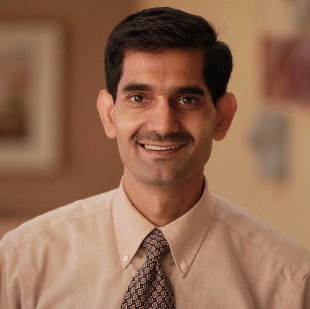 Dr Vijay Tiwari.jpeg