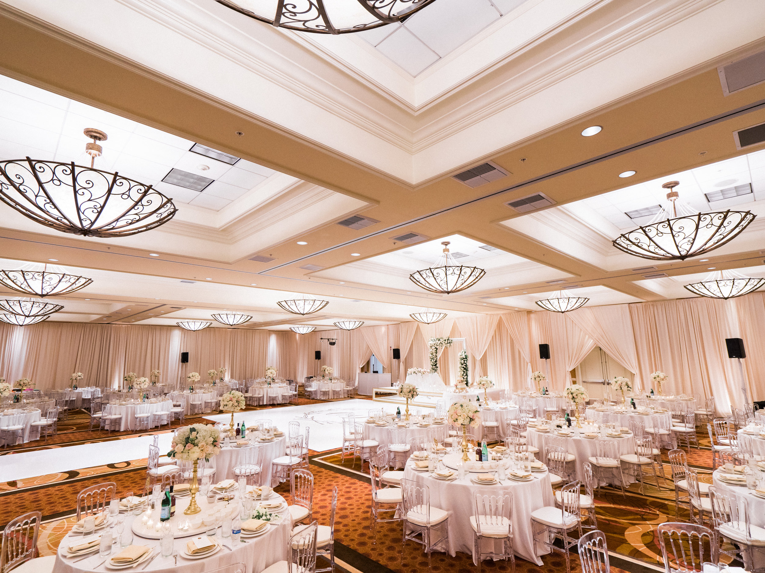 DoubleTree Anaheim Convention Center - Photo By Jon Cu Photography