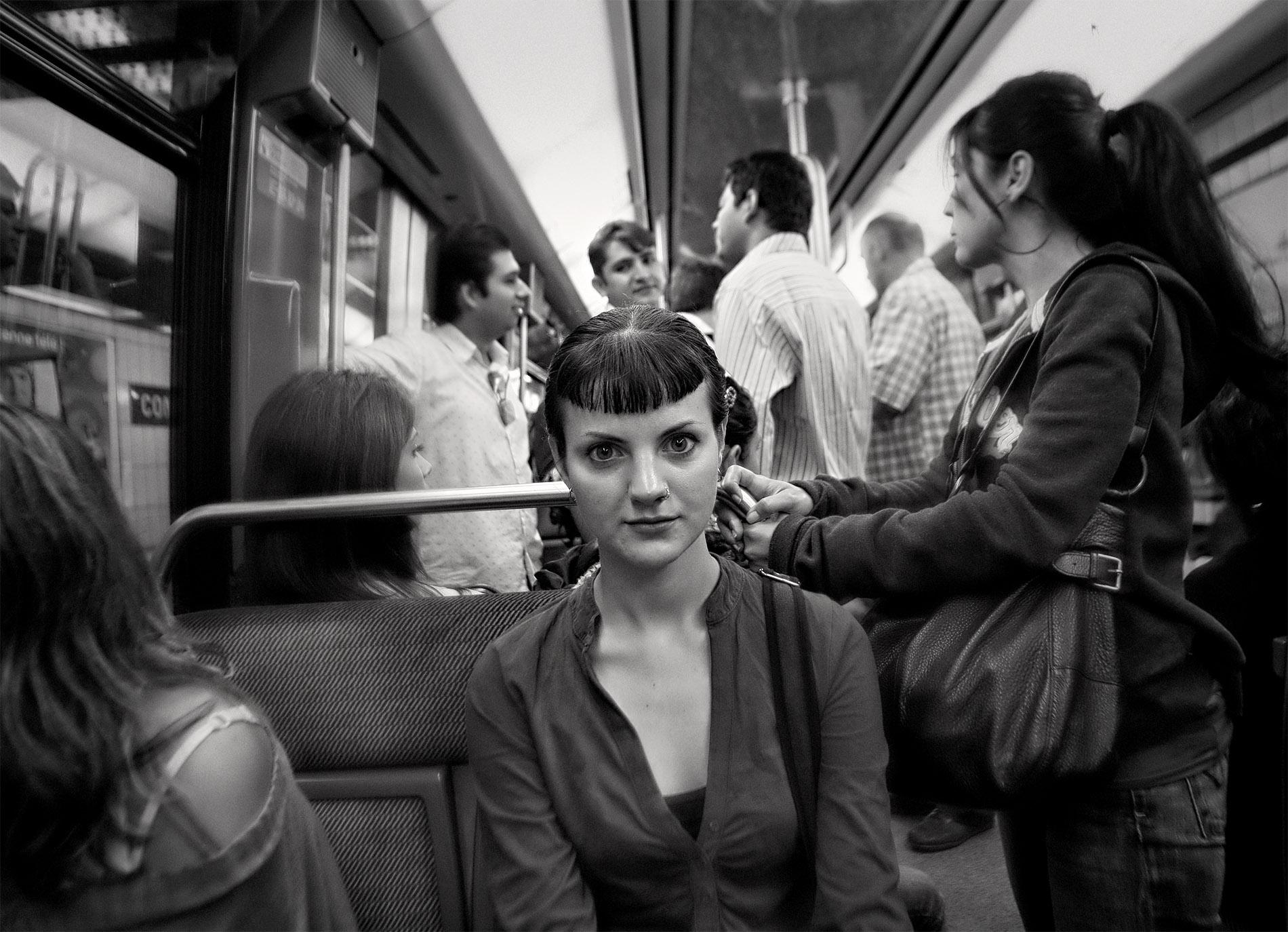 En tydlig blick av en fokuserad vän. Vi dansade tango i många år och på bilden är vi på väg med tunnelbanan i Paris för att dansa. Fina minnen :) Foto Mikael Wallerstedt